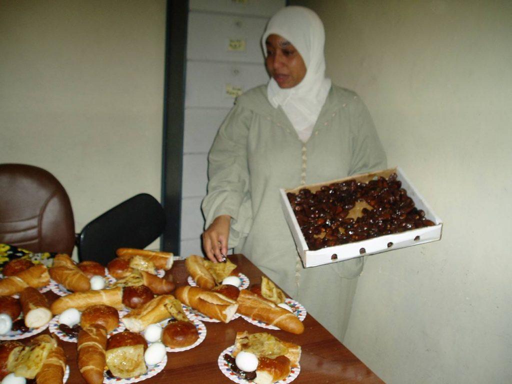 إفطار رمضاني (صورة من الأرشيف)